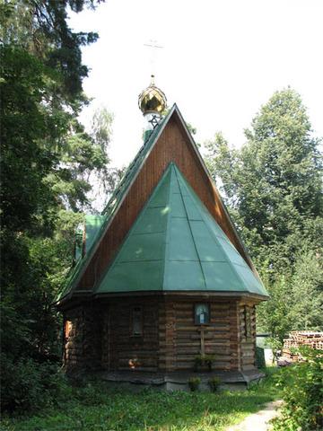 Церковь-часовня Серафима Саровского в Перловке